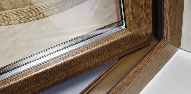 Окна Рехау с текстурой дерева